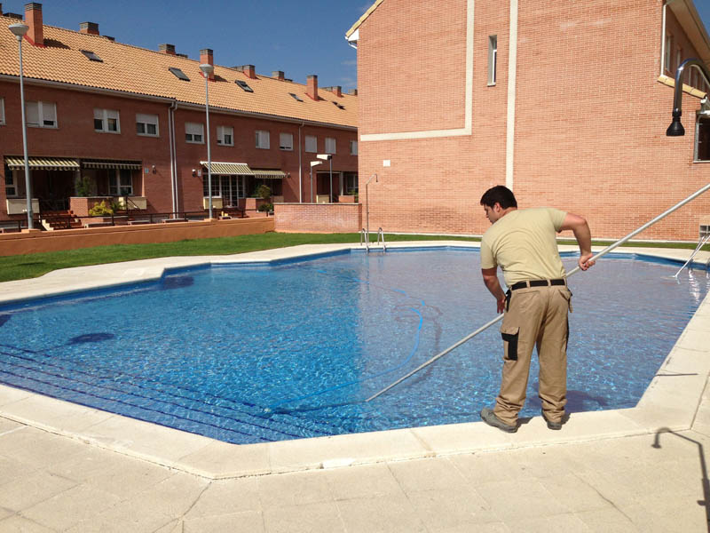 Manteniemiento piscinas onixpool piscinas madrid for Guia mantenimiento piscinas
